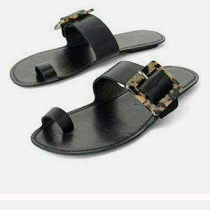 Zara flat leather sandals 7.5